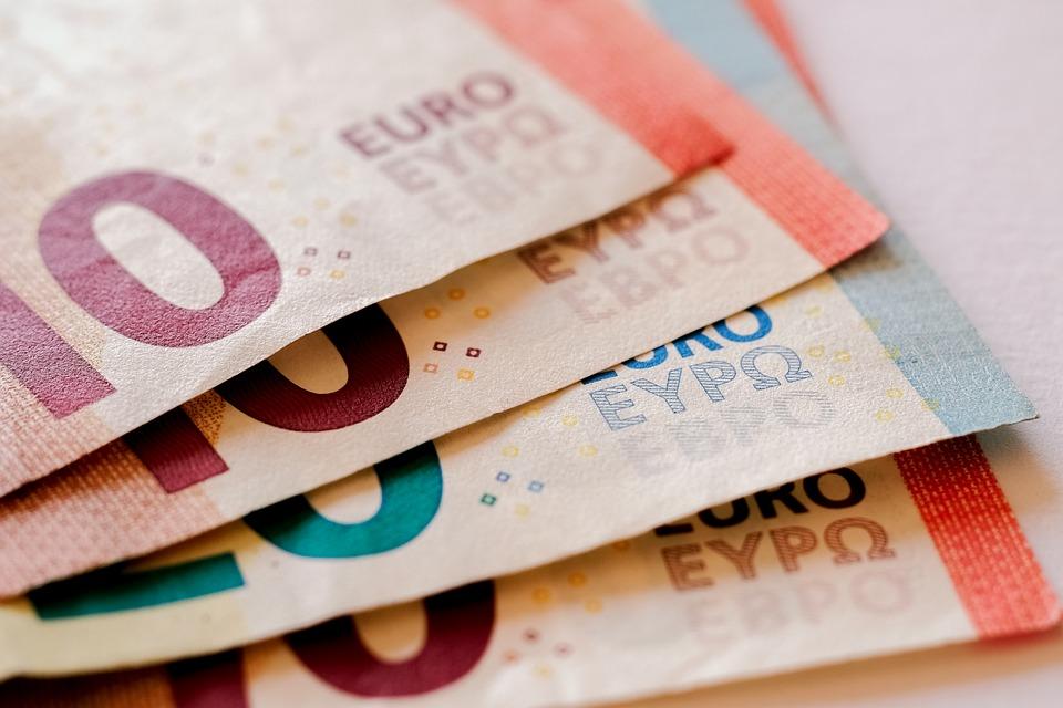 ¿Qué funciones cumple el Banco de España?